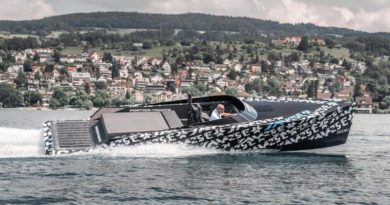 SAY29E Runabout Carbon E-Boot