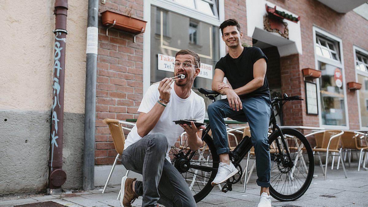 Joko Winterscheidt macht SUSHI: E-Bike