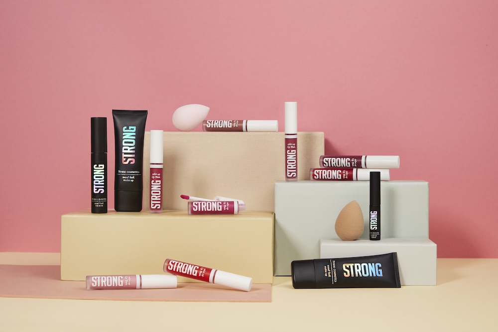 STRONG fitness cosmetics: Mascara, Make-up und Eyeliner