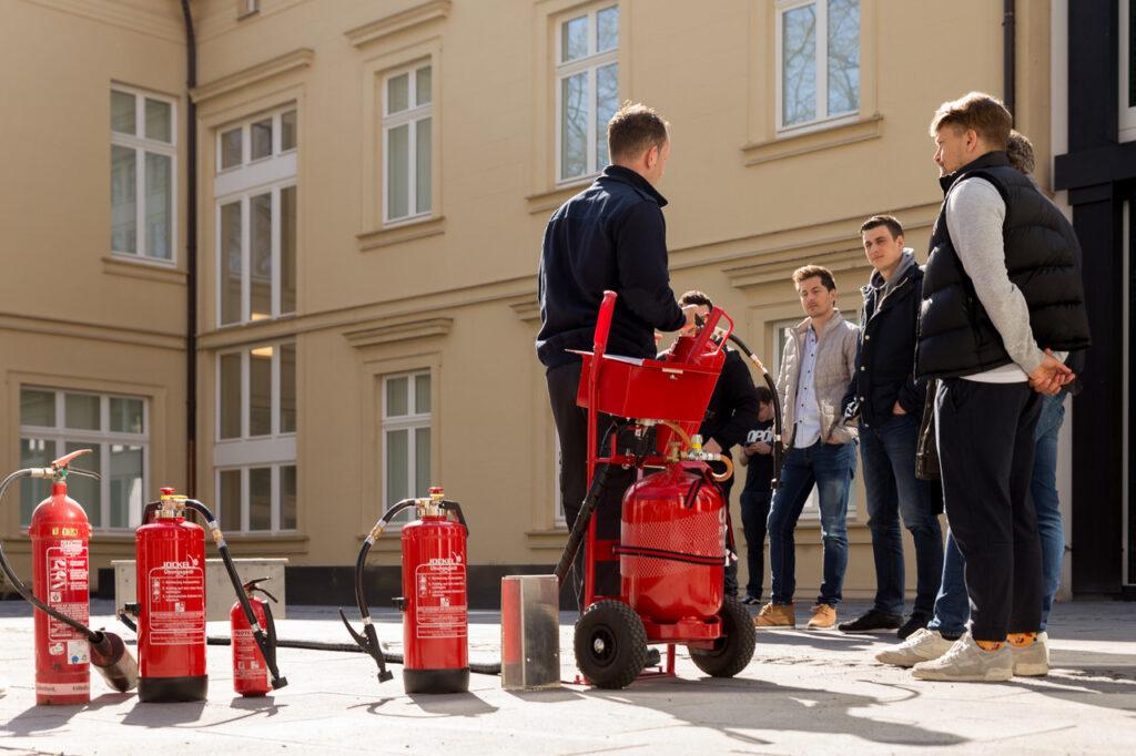 Fireschutz: Branschutz-Zentrale macht Brandschutz einfach Feuerlöscher