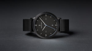 Seasonal Elegance: a steel smooth watch for Christmas